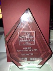 V39-boat-year-award-2013
