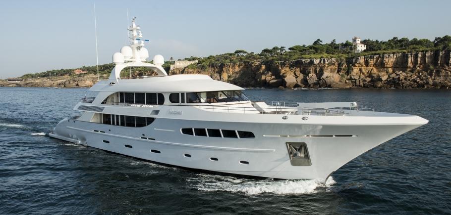 Nassima-blluewater-yacht-charter