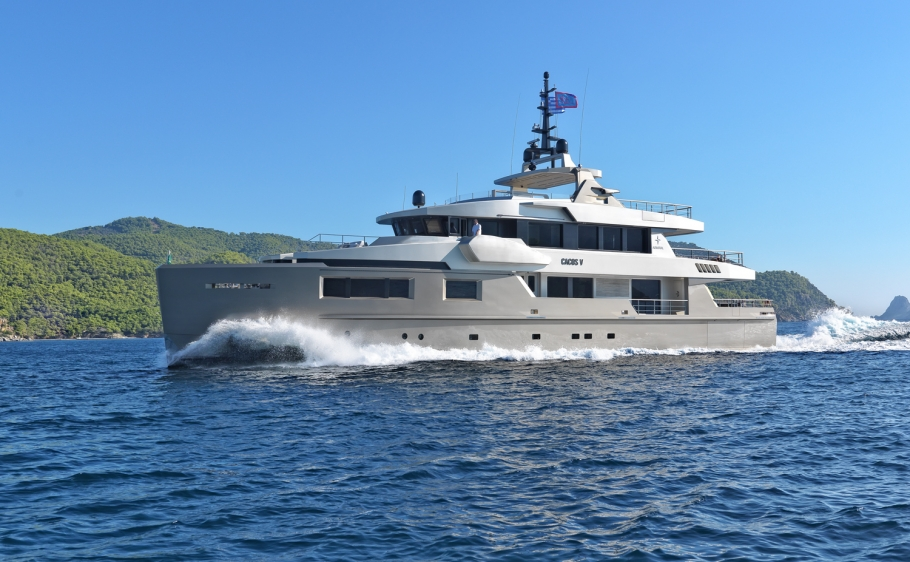 CACOS-V-Yacht-Charter